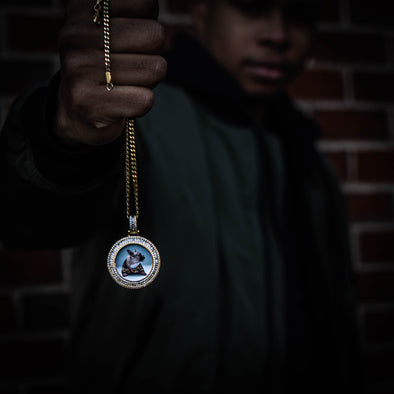 THE ORIGINAL 2.0 // BAGUETTE x ROUND CUT PHOTO PENDANT is an essential piece to add to your collection to remember an OG in your life...5x Plated with Solid 18k Gold x Diamonds, this custom photo pendant has a breathtaking luster for a price that you simply can't find anywhere else. Stop Settling and Shop OG.
