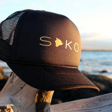Load image into Gallery viewer, Soko (South Kona) Big Island Black Trucker Hat