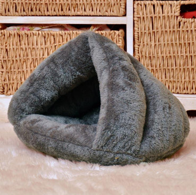 Warm Lovely Pet Kennel Puppy European Design Soft Cat Bed Comfortable Privacy Space Dog Bed Support