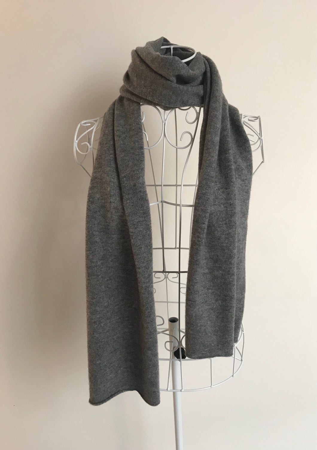 100% Pure Cashmere Unisex Scarf in Dark Grey