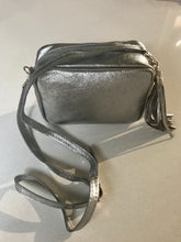 Load image into Gallery viewer, Metallic Camera Bag Leather Pewter
