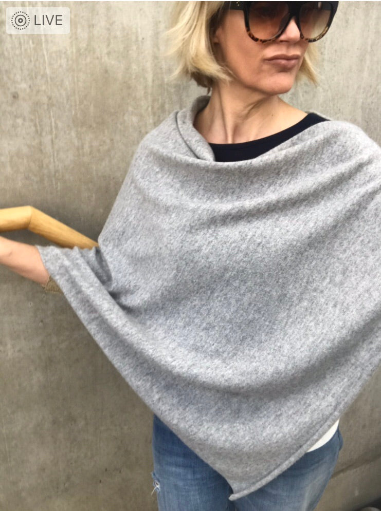 100% Pure Cashmere Boat Neck Poncho in Light Grey