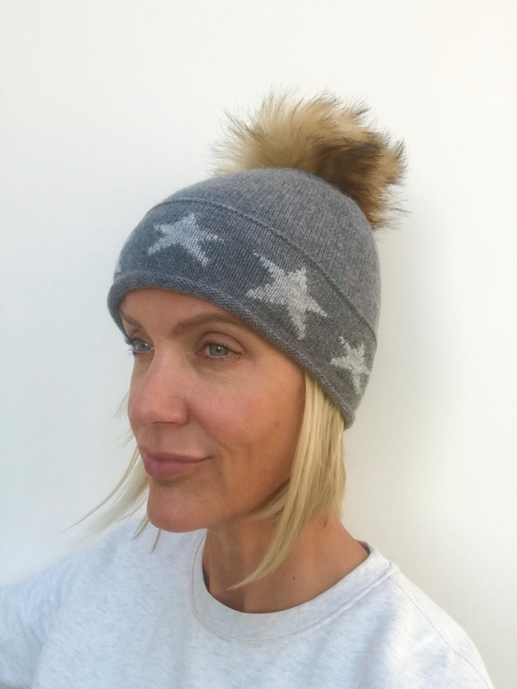 100% Pure Cashmere Hat with Natural Faux Pom Pom in Grey with Stars