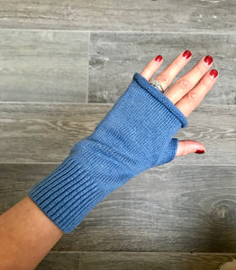 Beautiful Cashmere Blend Fingerless Gloves in Blue
