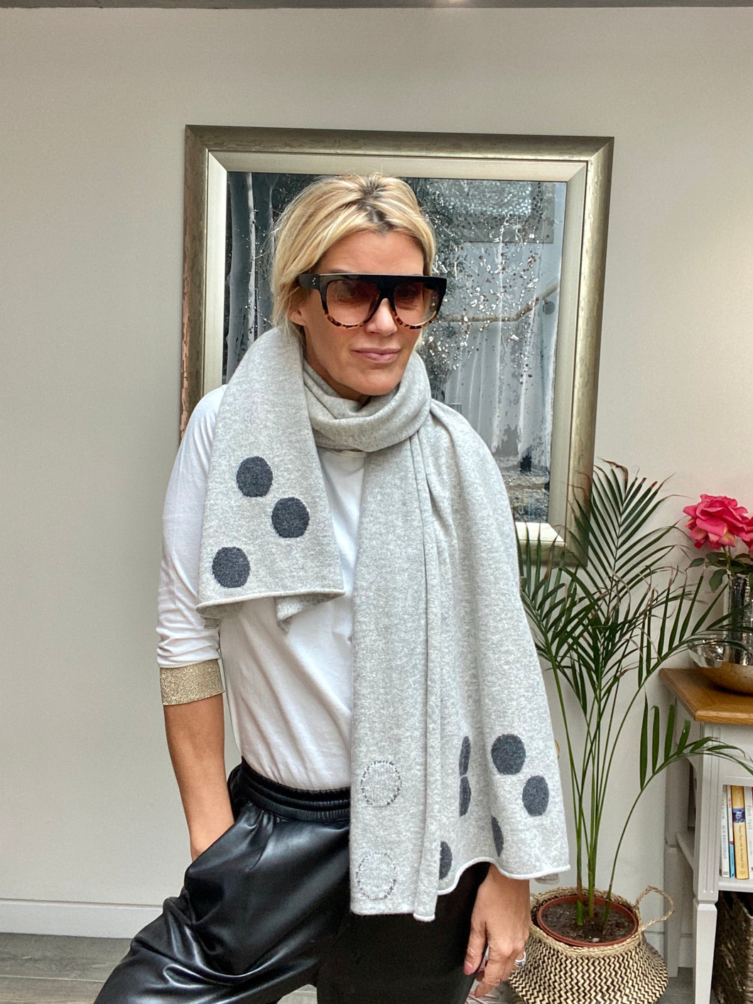 Pure Cashmere Large Polka Scarf in Light Grey