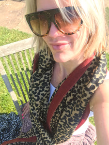 Pure Cashmere Lightweight Leopard Print Scarf in Brown & Red