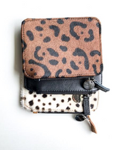 Load image into Gallery viewer, Clover Pouch - Caribou Black