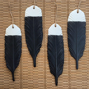 Michelle Bow Huia Feather Single