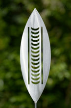 Load image into Gallery viewer, Aluminium Spear Nikau Outdoor Art