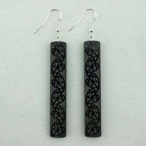 SoNZ Kowhaiwhai Bar Earring in Black