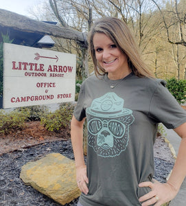 Little Arrow Sunglass Bear Tee