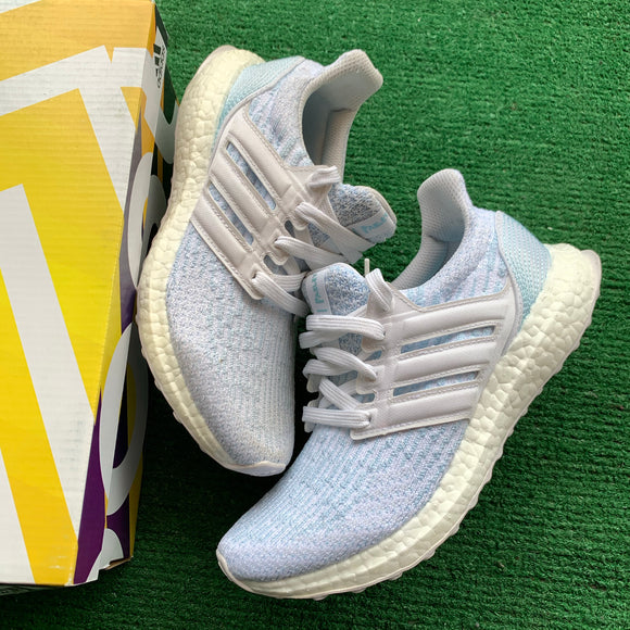 Adidas Ultraboost Parley Size 4
