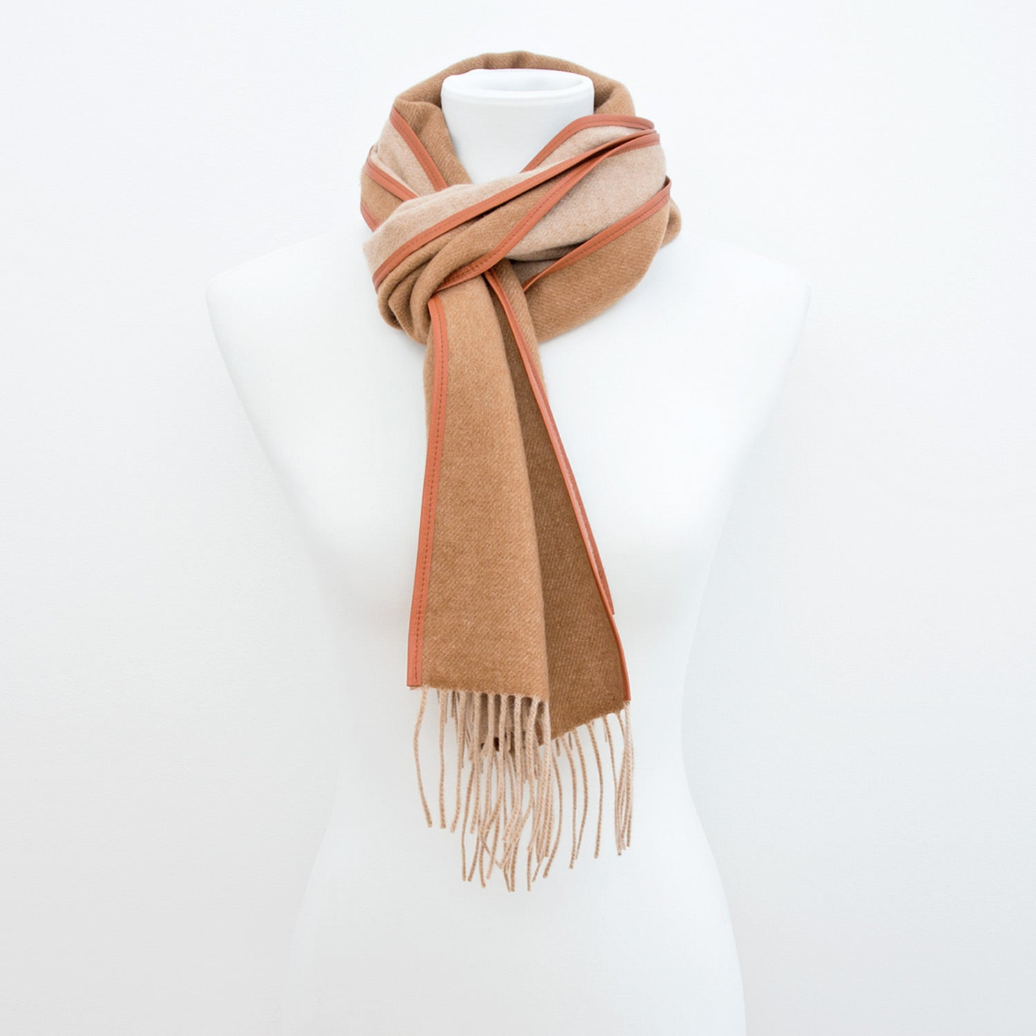 Doria & Dojola Cortina Vicuña-Cashmere Scarf. 80% Cashmere 20% Vicuña with genuine Leather Ribbon 30 x 180 cm. Made in Italy.