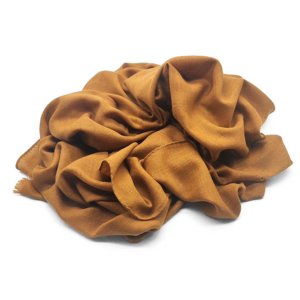 Doria & Dojola Extrafine Pure Vicuña Scarf. 100% Vicuña  70 x 200 cm. Made in Italy. Pictured in Brown.