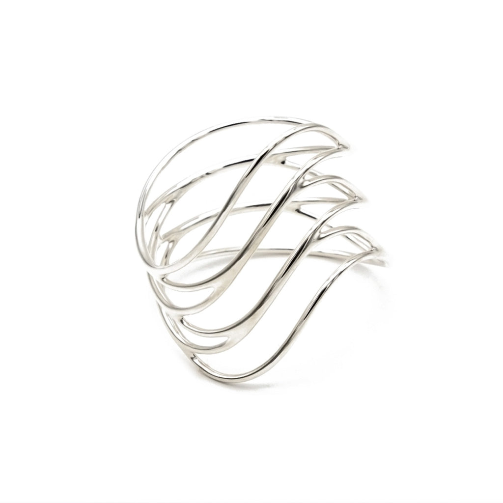 Abbracio scarf ring. Made to highlight the beauty of every scarf. 925 Sterling Silver Handcrafted in Austria
