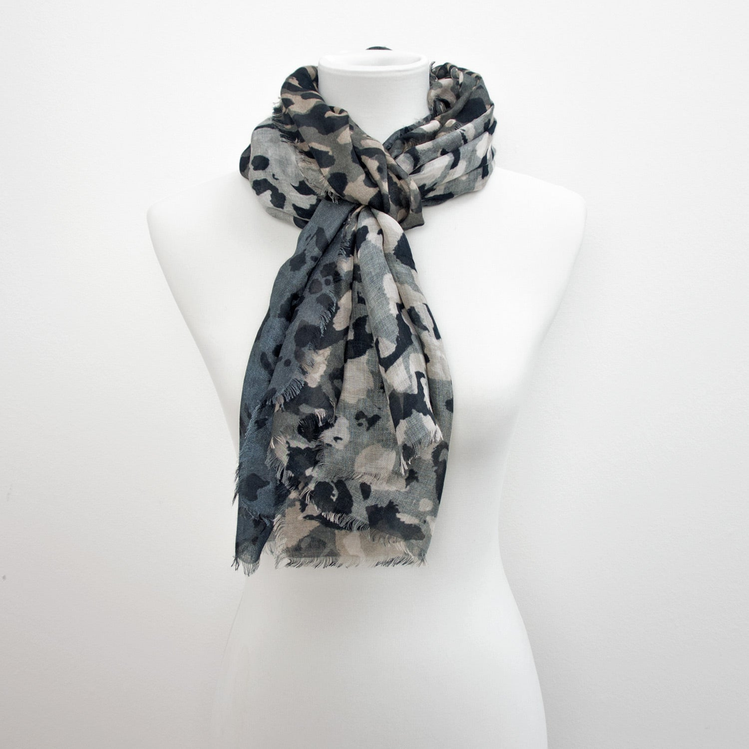 Doria & Dojola Camouflage Cashmere-Modal Scarf. 85% Modal 15% Cashmere  67 x 176 cm. 100% Made in Italy. Pictures in Blue/Grey.