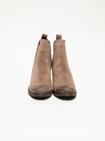 Bos&Co Tan Round Toe Ankle Boots