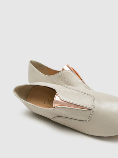 Bos&Co Beige Pointed Toe Shoes