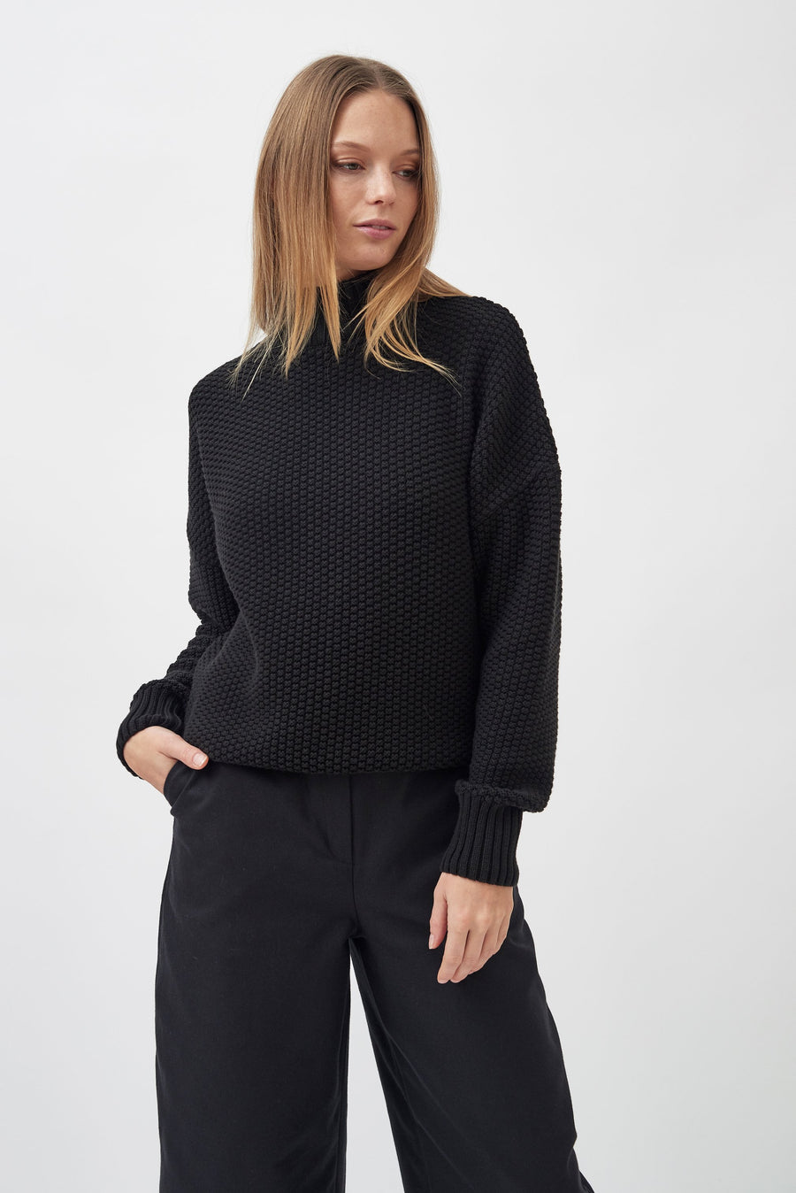 treen-mila-vert-knitted-rice-cubes-pullover-black