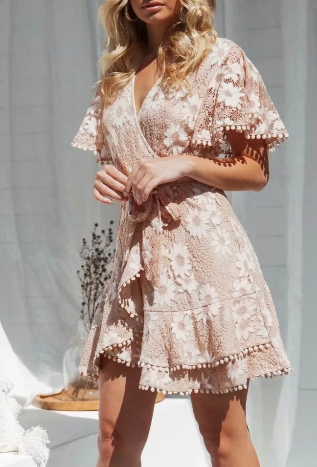 Sexy lace patchwork resort dress
