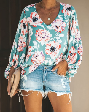 V-neck Long-sleeved Printed Shirt