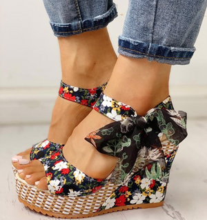 Lace-up Wedge Black Sandals