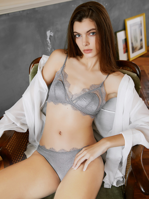 French Triangle Cup Sexy Lace Rra Set