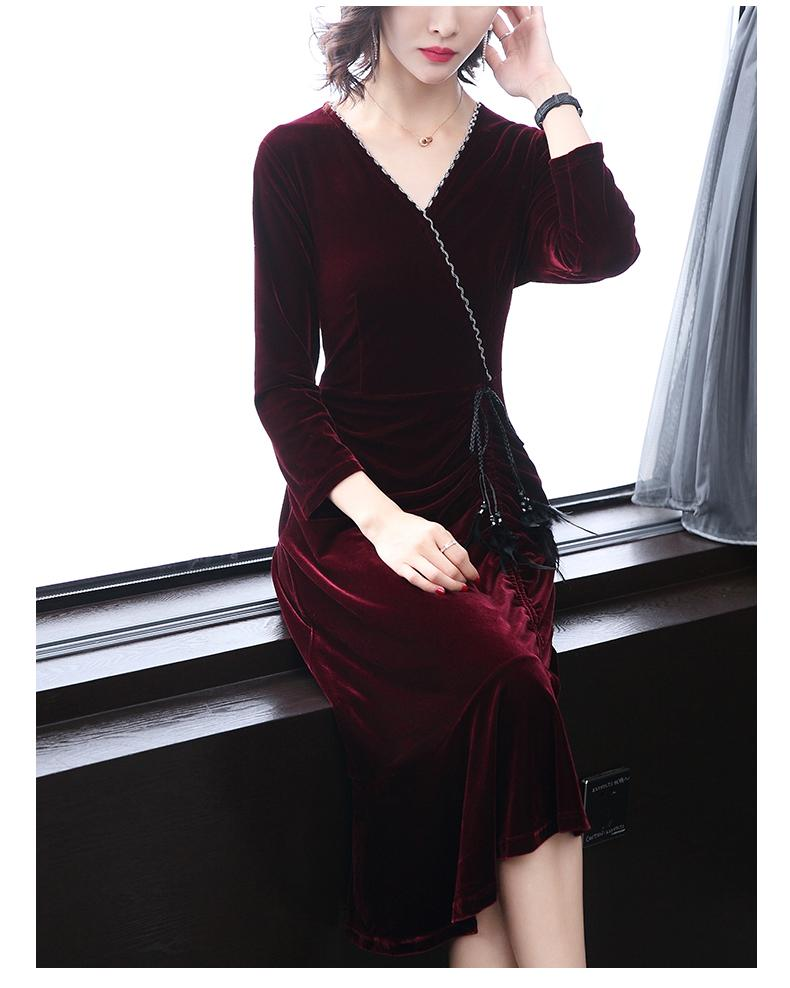 Long-sleeved v-neck slim velvet sexy fishtail dress
