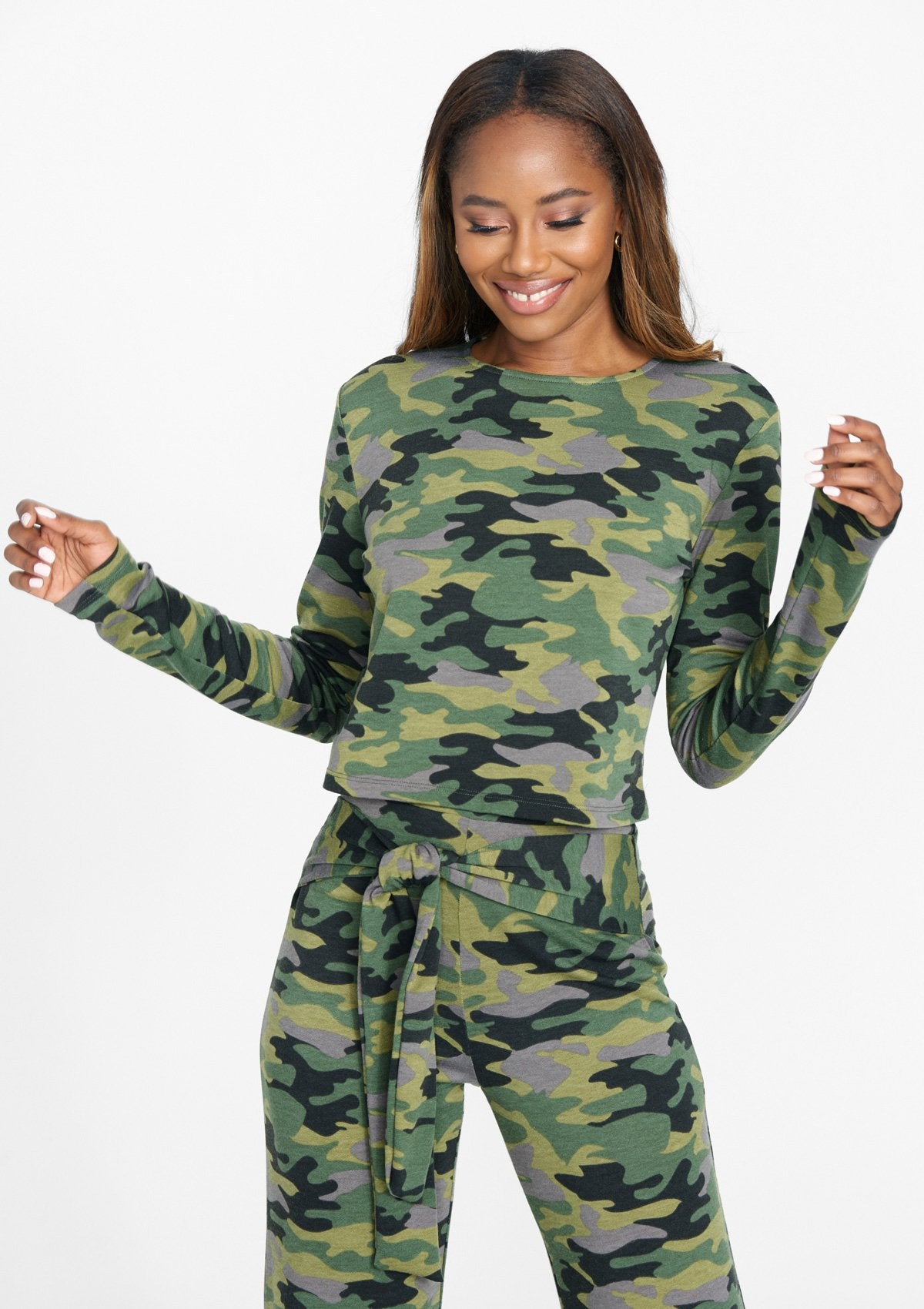 Alloy Apparel Tall Long Sleeve Boxy Tee for Women in Green Camo Size S/M   Polyester