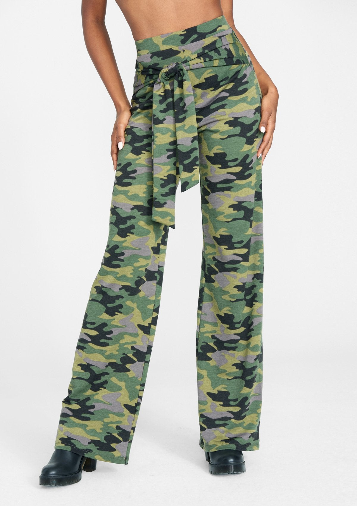 Alloy Apparel Tall Sash Tie Wide Leg Pant for Women in Green Camo Size 2XL   Rayon