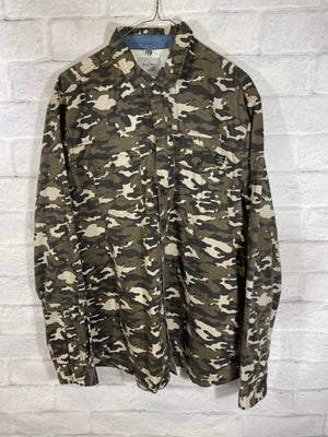 Camo button down shirt SZ mens XL