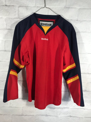 Reebok hockey jersey SZ youth XL fit womens small