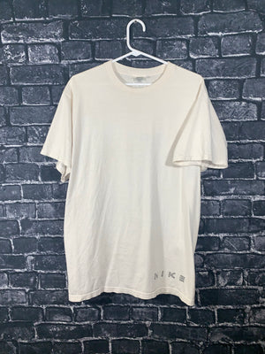 White Nike Graphic T-Shirt