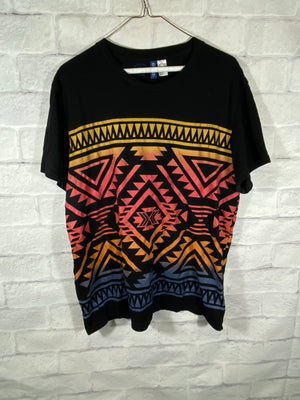 H&M tribal tshirt SZ msns Large