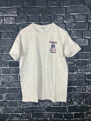 Grey Gildan New England Patriots Graphic T-Shirt