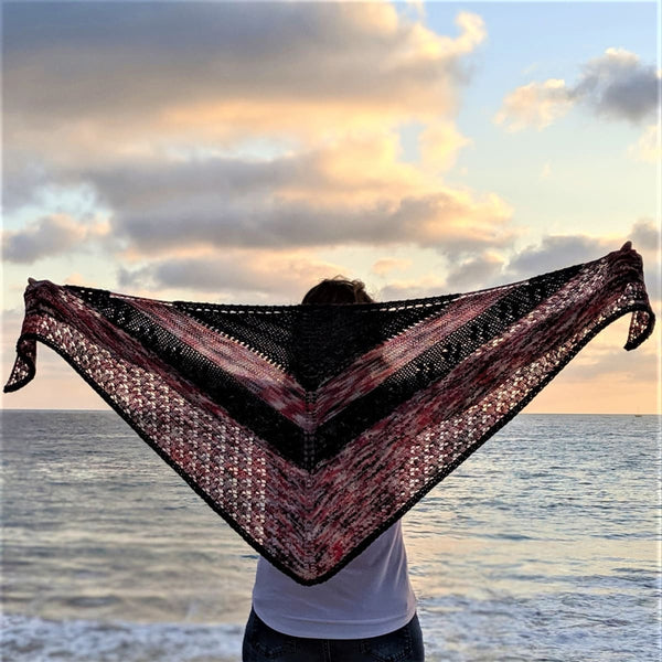 Dragonfruit Shawl - Knitting Kit