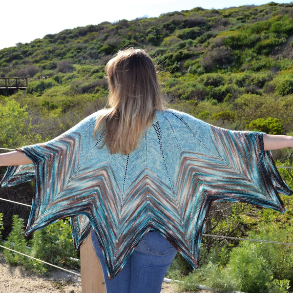 Fading Star Capelet Knitting Kit - Knitting Kit
