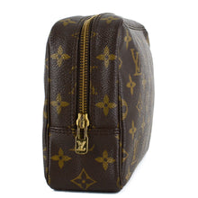 Load image into Gallery viewer, LOUIS VUITTON Monogram Trousse Toilette 23