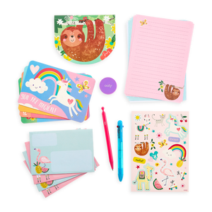 On-The-Go Travel Stationery Kit: Funtastic Friends - 21 Piece Set