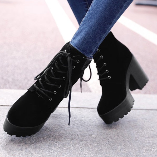 Lace-Up Front Round Toe Plain Chunky Heel Casual Platform Boots