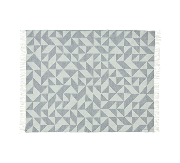 Silkeborg Uldspinderi ApS Twist a Twill Plaid 130x190 cm Throw 1095 Light Grey