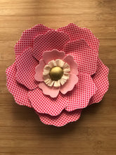 Load image into Gallery viewer, Medium fabric flower