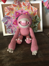 Load image into Gallery viewer, Crochet sloth pink