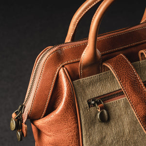 YAAGLE Unisex Vintage Tanned Leather Travel Backpack Tote YGM092 - YAAGLE.com
