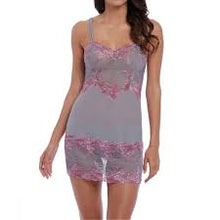 Load image into Gallery viewer, Wacoal 'Embrace Lace' Chemise