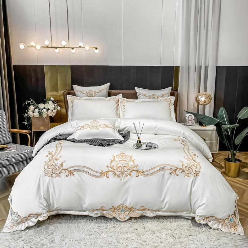 Yasmin Embroidered Motif Framed 100% Cotton Duvet Cover Set - Venetto DesignColor 1 / Flat Bed Sheet / Queen size 4Pcs