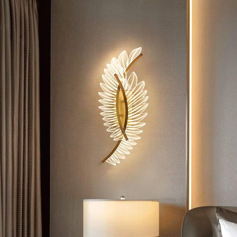 Daphne 3D-Feather Glass And Metal Wall Lamp - Venetto Design