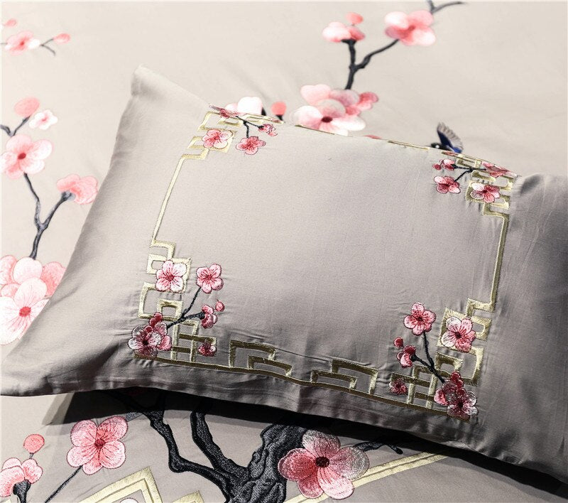 Famero luxury Egyptian cotton embroidery oriental Bedding Set - Venetto Design
