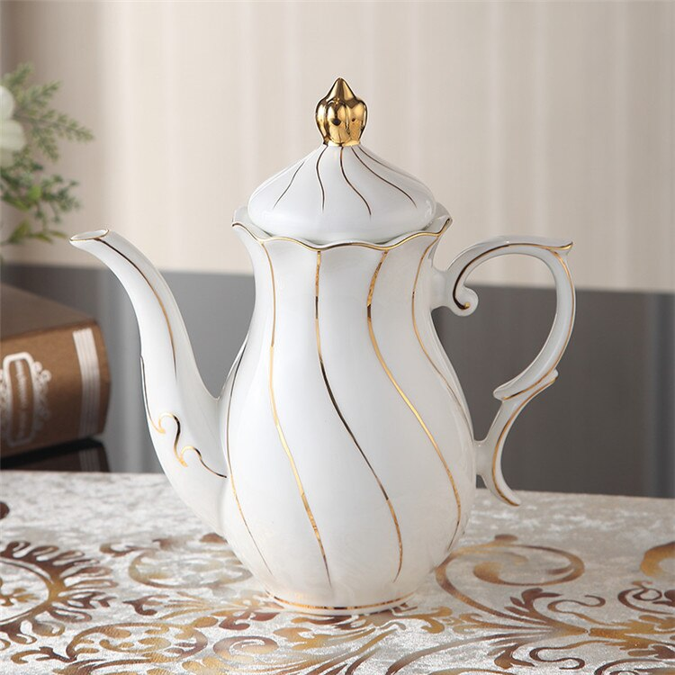 Benedicta Porcelain Gold Inlay Bone China Tea Set - Venetto DesignPot