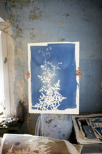 Charger l'image dans la galerie, ATELIER CYANOTYPE FLORAL / LA PHOTO SANS APPAREIL PHOTO !